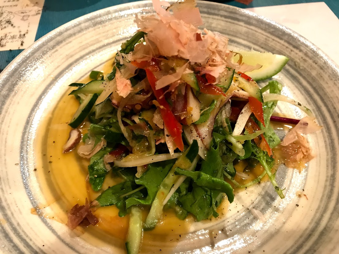 タコと新玉のタイ風サラダ