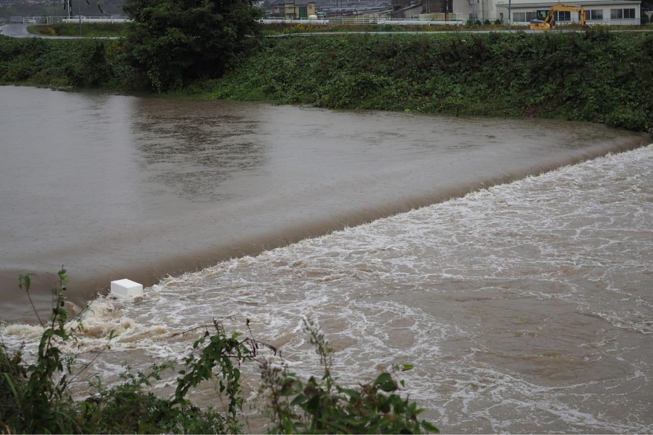 河川氾濫イメージ