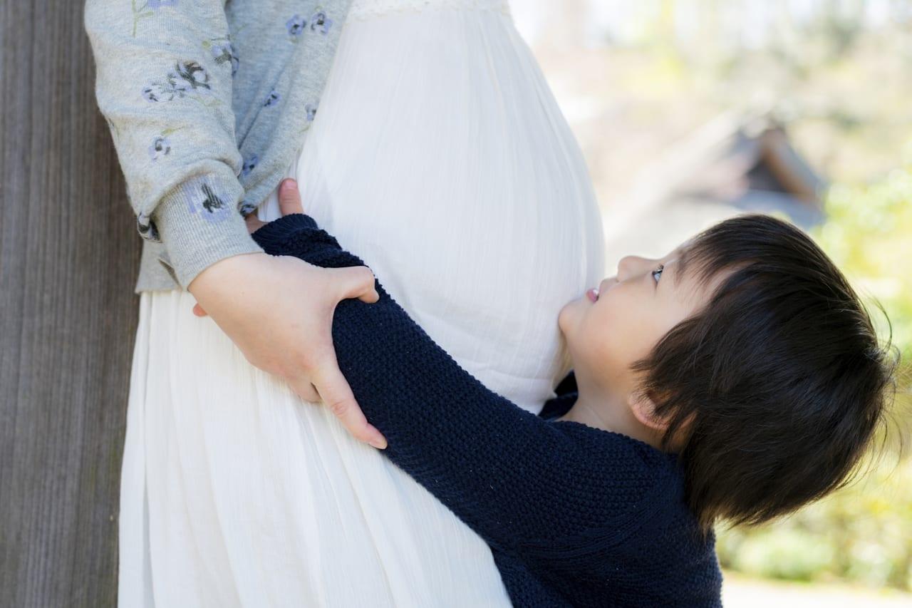 妊婦とこどもイメージ